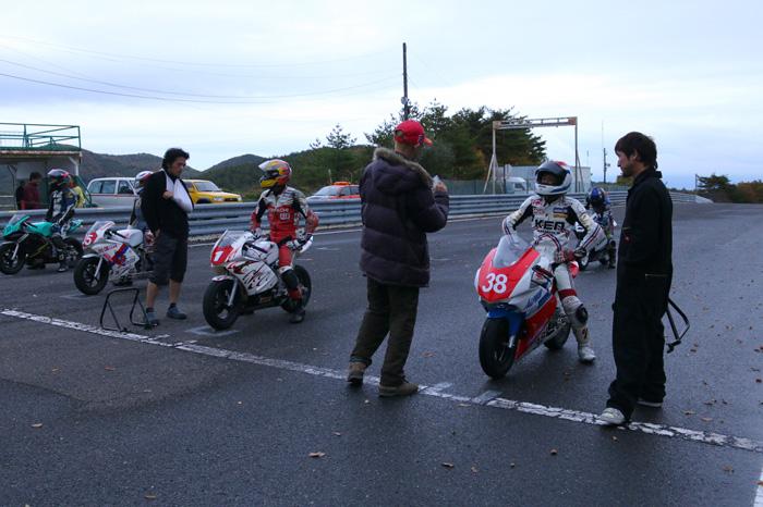 2014エビスミニバイク90分耐久レース ①_d0067418_12364845.jpg