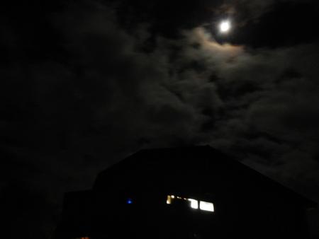 月夜の楽しみ_e0120896_8432670.jpg