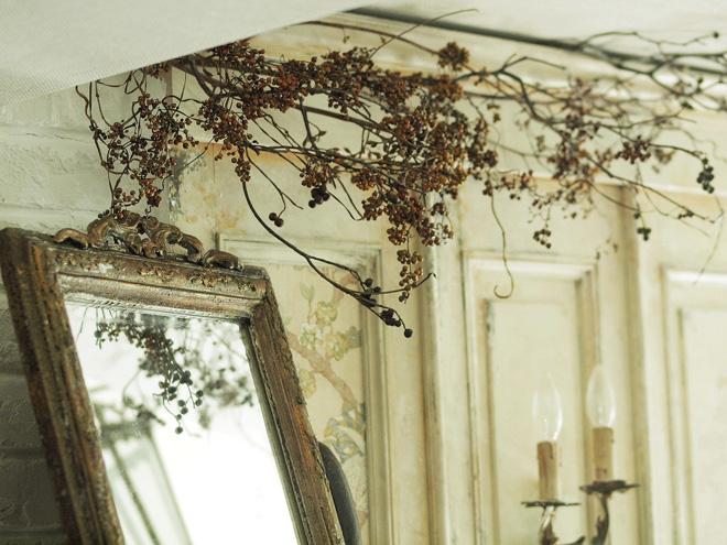現行品の鏡をリメイク(アンティーク風塗装)_e0172847_8303755.jpg
