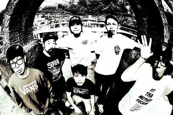 "FREE KICK 1st FULL ALBUM \""The End Is Near\""_c0176867_156036.jpg"