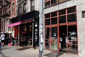 NYの文化活動支援NPOが運営する小さなギャラリー、City Lore_b0007805_03189.jpg