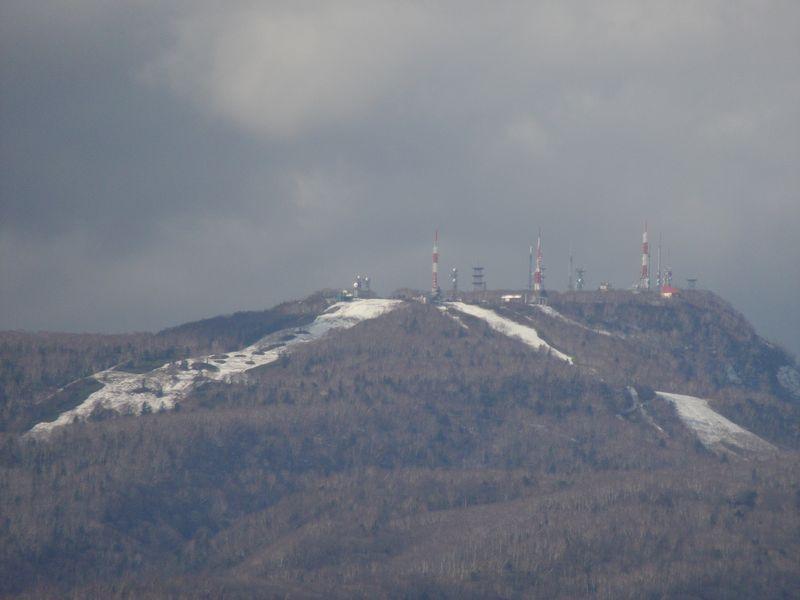 山の雪も溶けたか?_c0025115_17202130.jpg