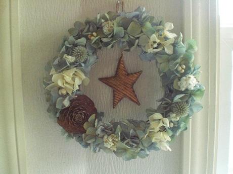 クリスマスインテリアにリースを_c0207719_1422695.jpg