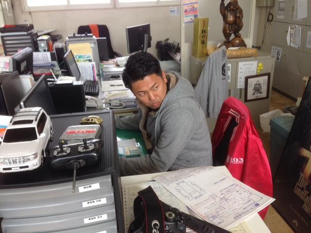 11/7(金)店長のNIKONIKOブログ♪fet.山本 ランクル ハマー アルファード_b0127002_208455.jpg