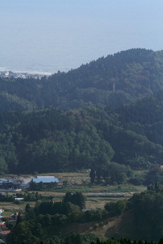 彼方に日本海を望んで峠越えに挑む - 2014年秋・男鹿線 -  _b0190710_21503281.jpg