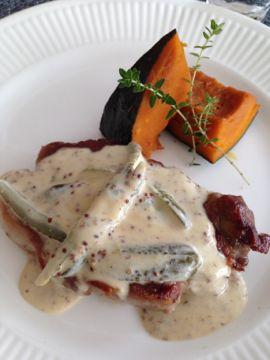 2014年11月料理教室 蕪のすりながし 白トリュフの薫り 豚肉とかぼちゃ セミフレッドと梨キャラメリゼ_e0134337_1022278.jpg