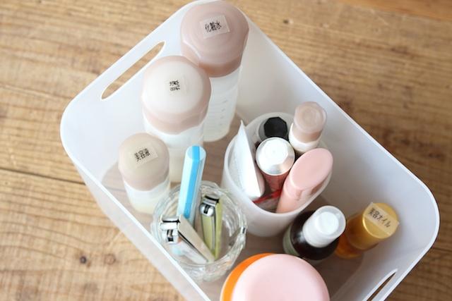 私の化粧品収納法_f0173771_2335353.jpg