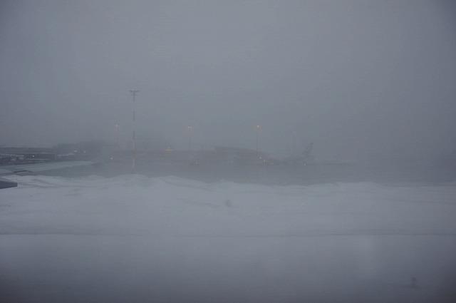 【ヘルシンキ】大雪の空港_c0348200_16154028.jpg