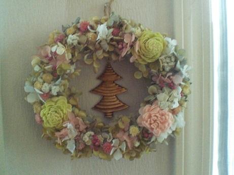 クリスマスリースでお部屋を明るくしましょう_c0207719_13193823.jpg