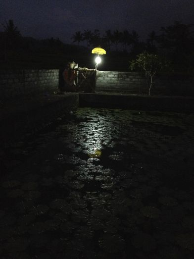 昨日の満月は、プラ・タマン・ジュンプンガンの寺院祭でありました。_a0120328_18574418.jpg