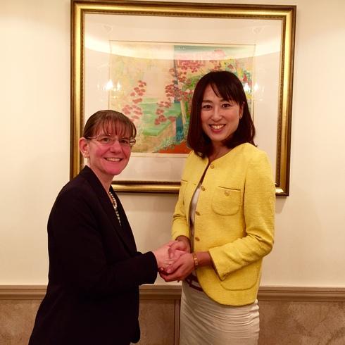 在札幌米国総領事館のジョエレン・ゴーグ首席領事が盛岡へ_b0199244_0211411.jpg