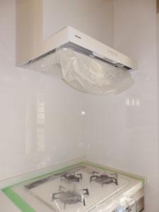 ココも白で可愛く♪ Kitchen♪_e0251265_16503657.jpg