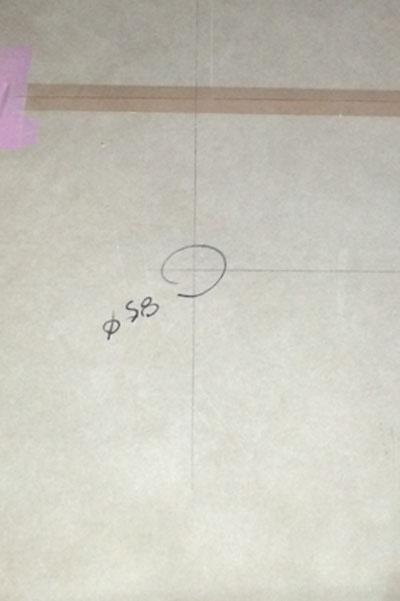 床にマーク_a0148909_10395571.jpg