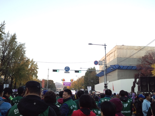 11月9日、韓国・民主労総全国労働者大会に参加_d0155415_17334669.jpg