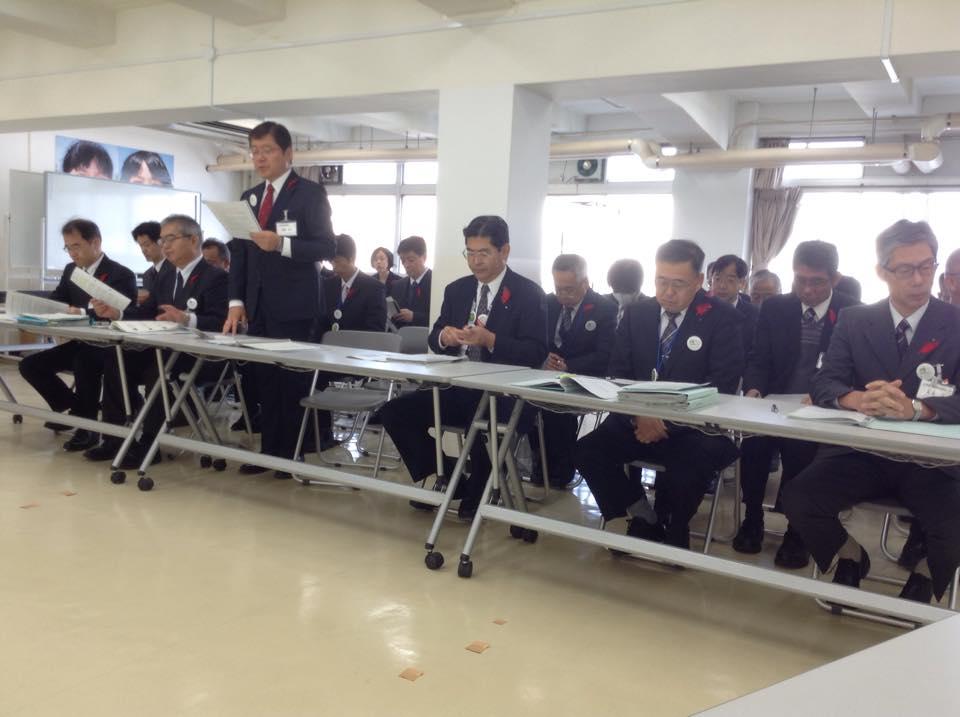 『 決算審査特別委員会 』_f0259324_21421123.jpg