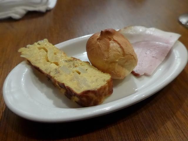 神泉「スペイン料理 ミネバル」へ行く。_f0232060_1753130.jpg