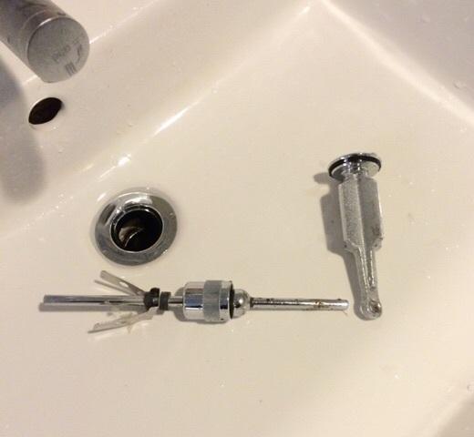 メンテナンス  ー  ポップアップ水栓の外し方_d0162179_14382252.jpg