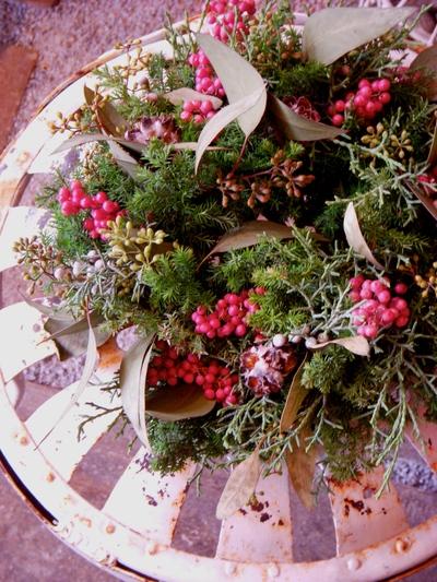 Christmas  Wreath Lesson ! 始まりました。。。_a0229658_2021978.jpg