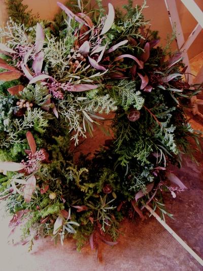 Christmas  Wreath Lesson ! 始まりました。。。_a0229658_205886.jpg
