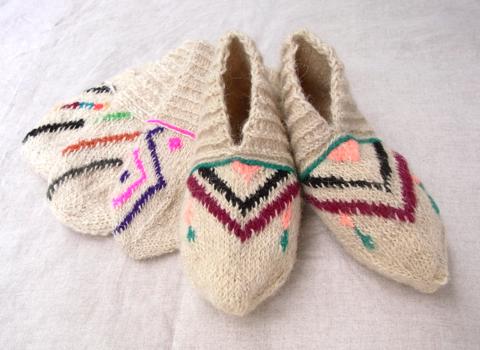 イランのおばあちゃんの手編み靴下 WOOL_d0156336_17342795.jpg