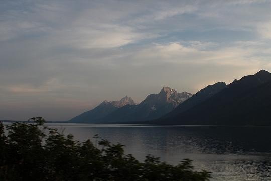 家族旅行2014年08月-北米-イエローストーン・グランドティトン-第五日目-ジャクソンレイクの夕暮れとロッジ_c0153302_15211346.jpg