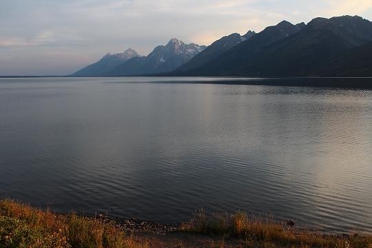 家族旅行2014年08月-北米-イエローストーン・グランドティトン-第五日目-ジャクソンレイクの夕暮れとロッジ_c0153302_15211356.jpg