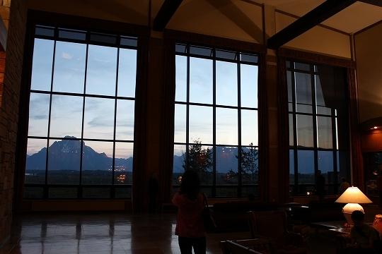 家族旅行2014年08月-北米-イエローストーン・グランドティトン-第五日目-ジャクソンレイクの夕暮れとロッジ_c0153302_15443406.jpg