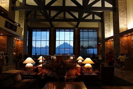 家族旅行2014年08月-北米-イエローストーン・グランドティトン-第五日目-ジャクソンレイクの夕暮れとロッジ_c0153302_15443470.jpg