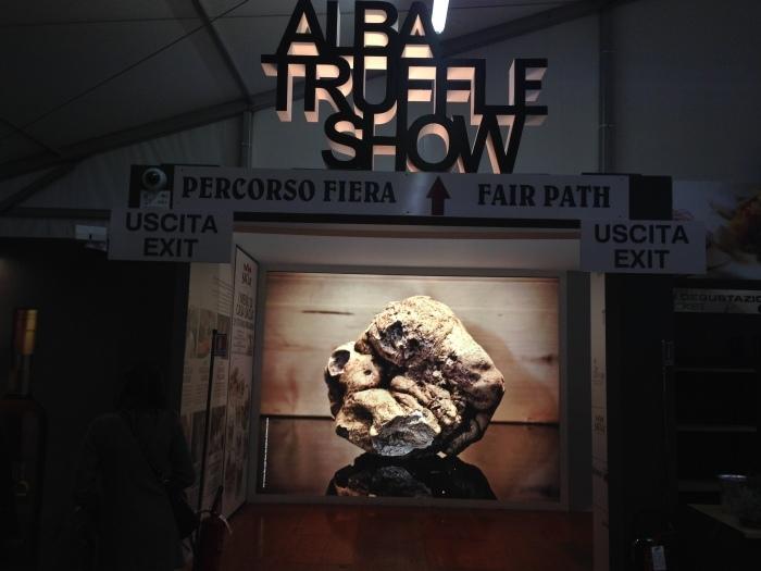 アルバの白トリュフ国際見本市 ♡ 84° Fiera Internazionale del Tartufo Bianco d\'Alba_b0246303_16502903.jpg