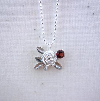 今日の銀のひとひら〜冬の花は想いを秘めて_a0017350_02460444.jpg