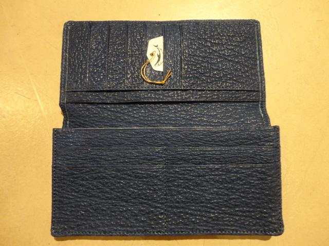 鮫革長財布も入荷しました_e0263052_1785193.jpg