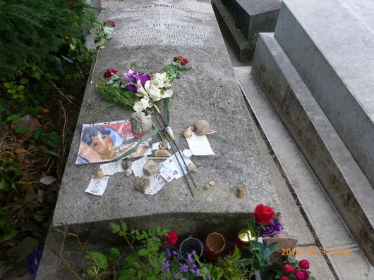 エディットピアフのミュゼ&ペールラ・シェーズ墓地_d0263859_0183469.jpg