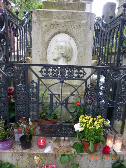 エディットピアフのミュゼ&ペールラ・シェーズ墓地_d0263859_020653.jpg