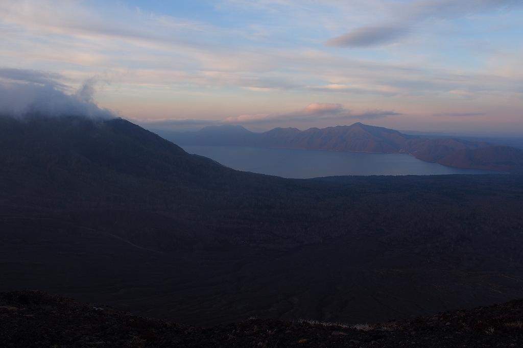 風不死岳と樽前山、11月11日-樽前山編-_f0138096_13593589.jpg