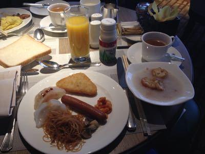 14年10月香港  13★コンラッド香港のラウンジで朝食_d0285416_22423382.jpg