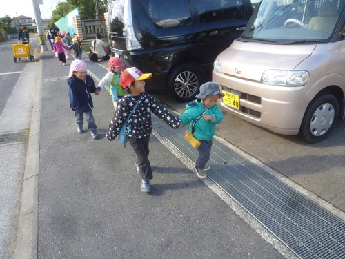 2・3・4歳児遠足_f0345154_1721654.jpg