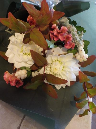 オークリーフ花の教室(落合さんと北条さんの作品)_f0049672_17352249.jpg