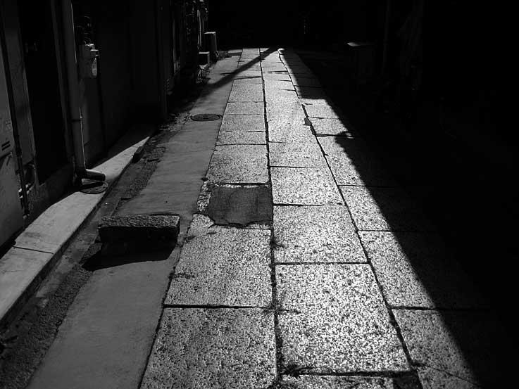 「オモクロ写真 その質銃酸」_b0057679_9304392.jpg