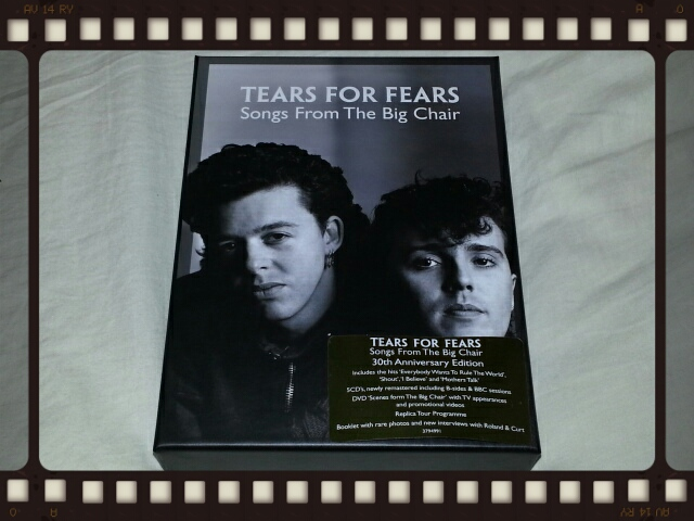 TEARS FOR FEARS / SONGS FROM THE BIG CHAIR 30th ANNIVERSARY EDITION_b0042308_1543568.jpg