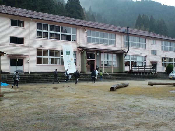 森の学校_f0065327_23264833.jpg