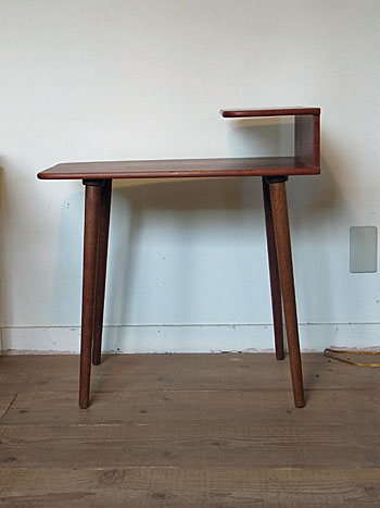 side table(Kurt Ostrvig)_c0139773_1555163.jpg