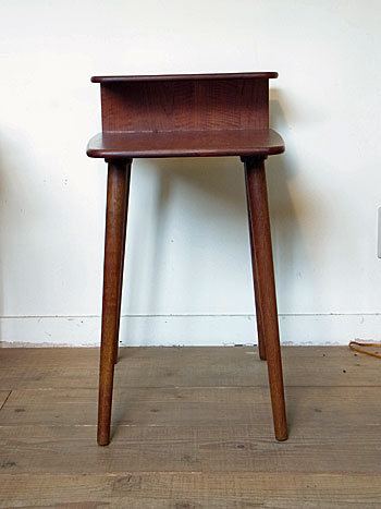 side table(Kurt Ostrvig)_c0139773_156595.jpg