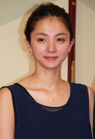 満島ひかりさんは美人女優です。_e0192740_14202895.jpg