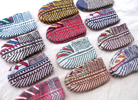 イランのおばあちゃんの手編み靴下 ショート新作_d0156336_23324159.jpg