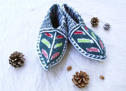 イランのおばあちゃんの手編み靴下 ショート新作_d0156336_233356.jpg