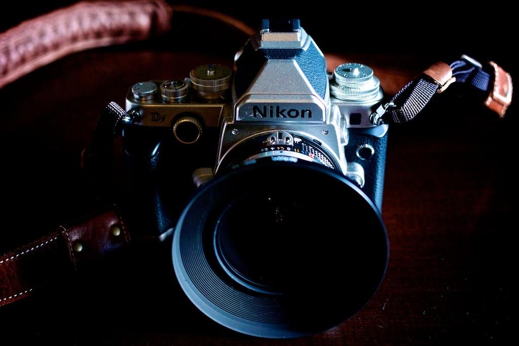 Nikon Ai Nikkor 20mm f/2.8S : photophobia