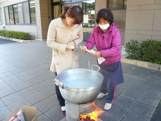 炊き出し訓練_a0154110_14354479.jpg