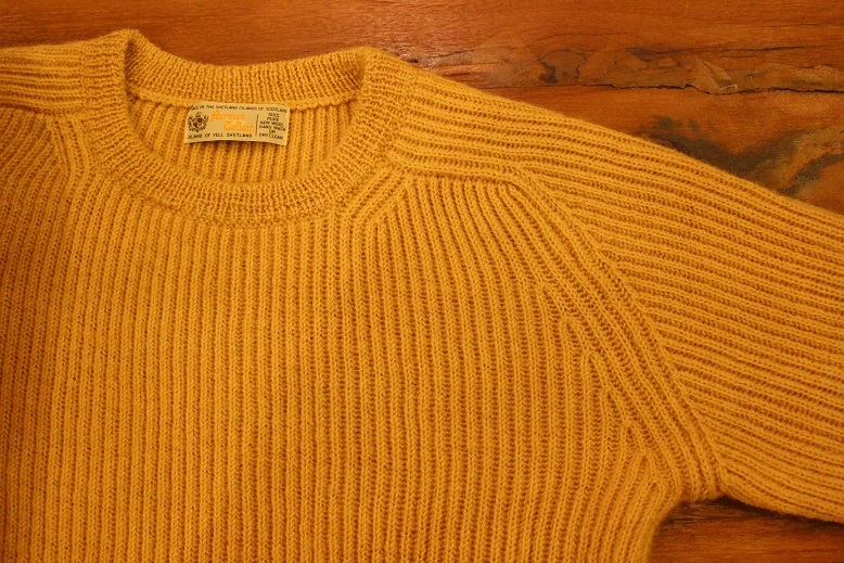 "NORMAN TULLOCH ""SADDLE SHOULDER RIB CREW NECK\"" ご紹介_f0191324_9331041.jpg"