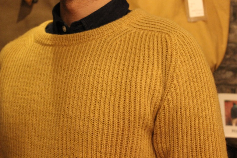 "NORMAN TULLOCH ""SADDLE SHOULDER RIB CREW NECK\"" ご紹介_f0191324_9332360.jpg"