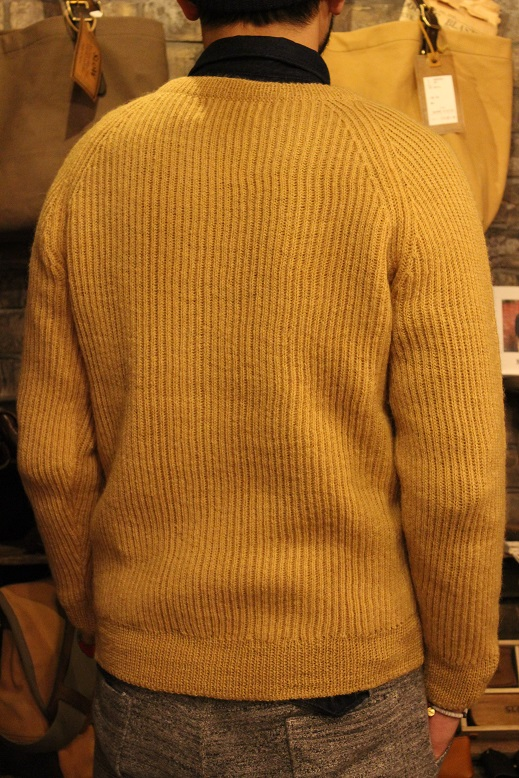 "NORMAN TULLOCH ""SADDLE SHOULDER RIB CREW NECK\"" ご紹介_f0191324_9333586.jpg"